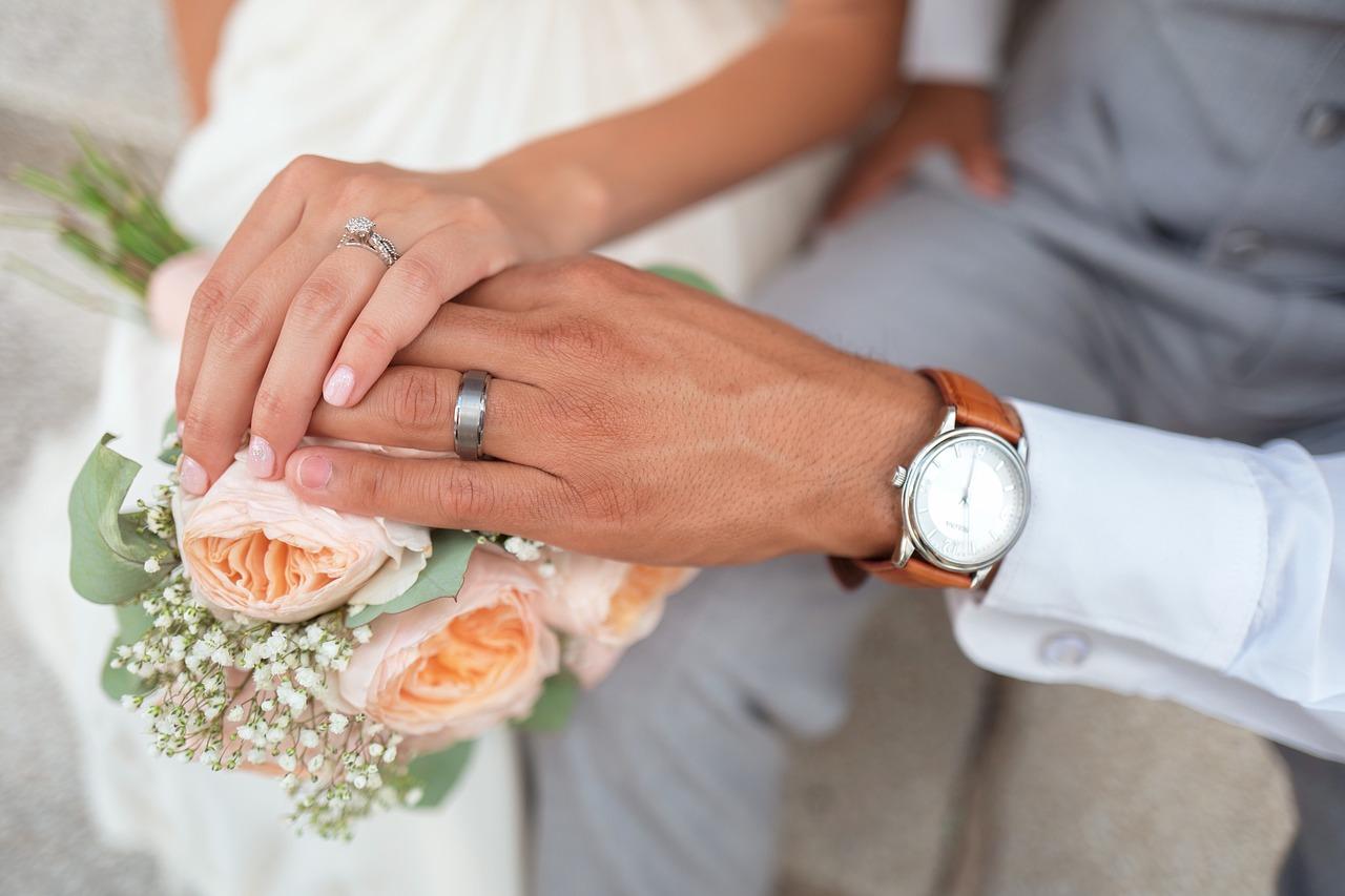 Faire appel à un wedding planner.
